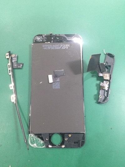 千葉県佐倉市ユーカリが丘よりiPhone5CのDIY失敗修復